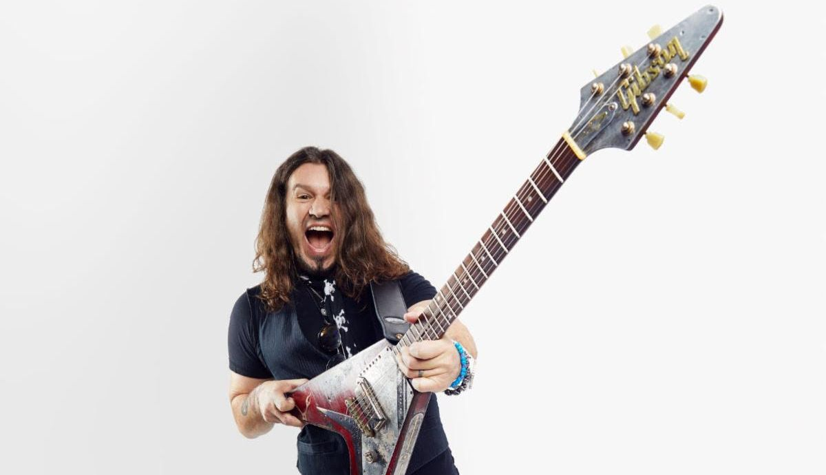 Phil X Joins Gibson promo shot 2020.